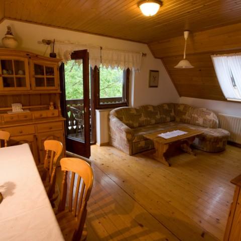Apartma Čebelica